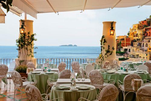 Open diningroom in the terrace of Albergo Le Sirenuse - Positano