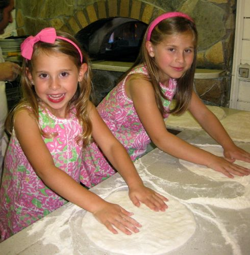 Kids in pizza making class in Rome