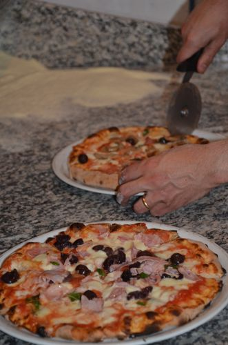 Cooking classes Rome - pizza school
