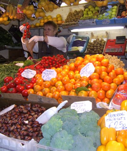 Cooking classes Rome - Testaccio market vegetables
