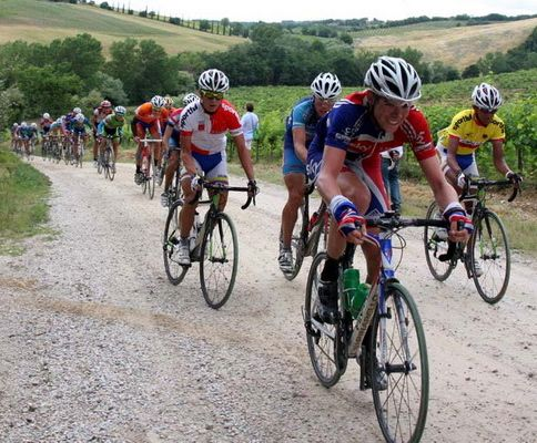tuscany tour bikers