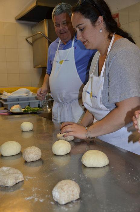 italian-mamma-in-naples_cooking2